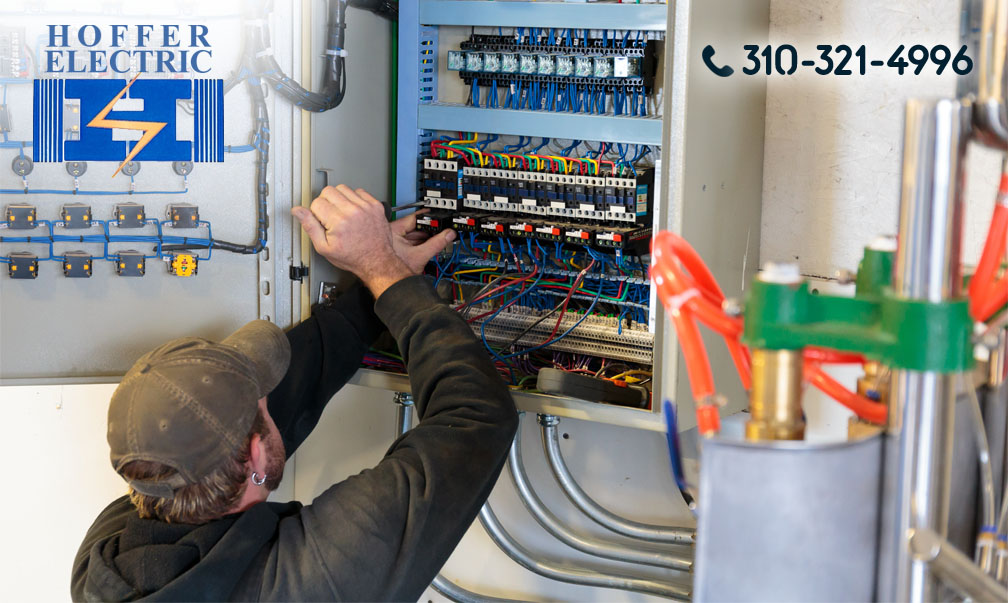 A Commercial Electrician in Tarzana to Help You