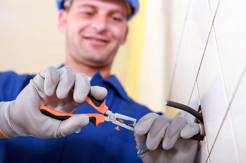 Hiring an Electrical Contractor in Northridge