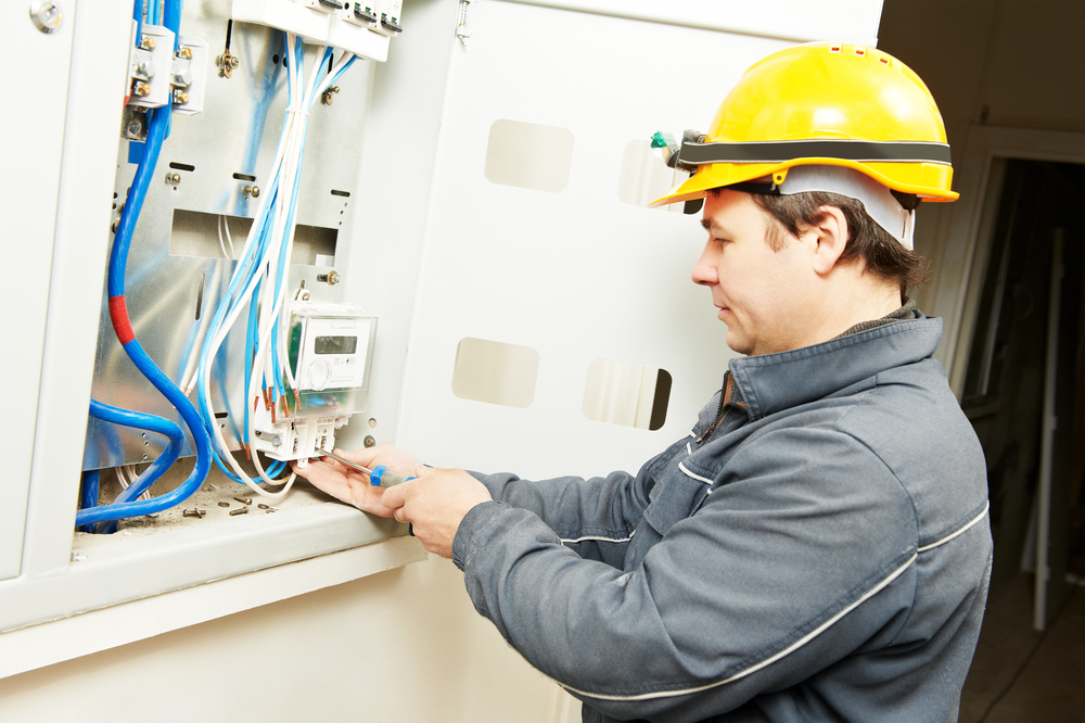 commercial electrician in tarzana