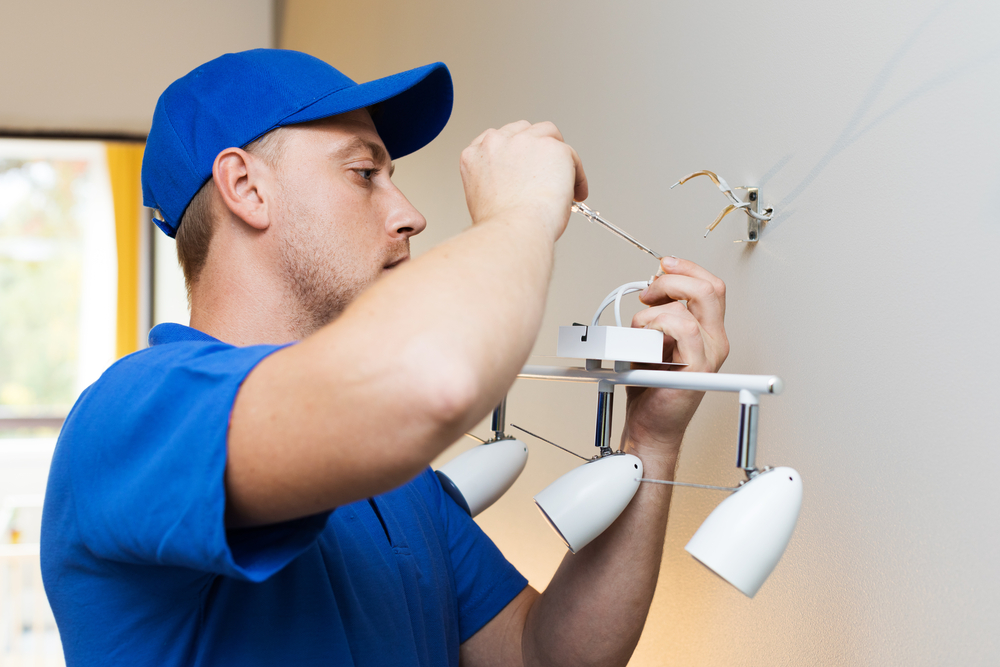 Finding a Good Commercial Electrician in West Hills for Your Business