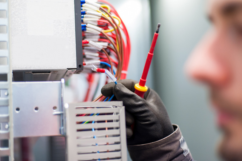 How to Find an Electrical Contractor in Calabasas1