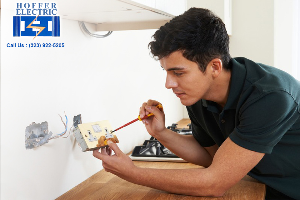 Electrician in Woodland Hills