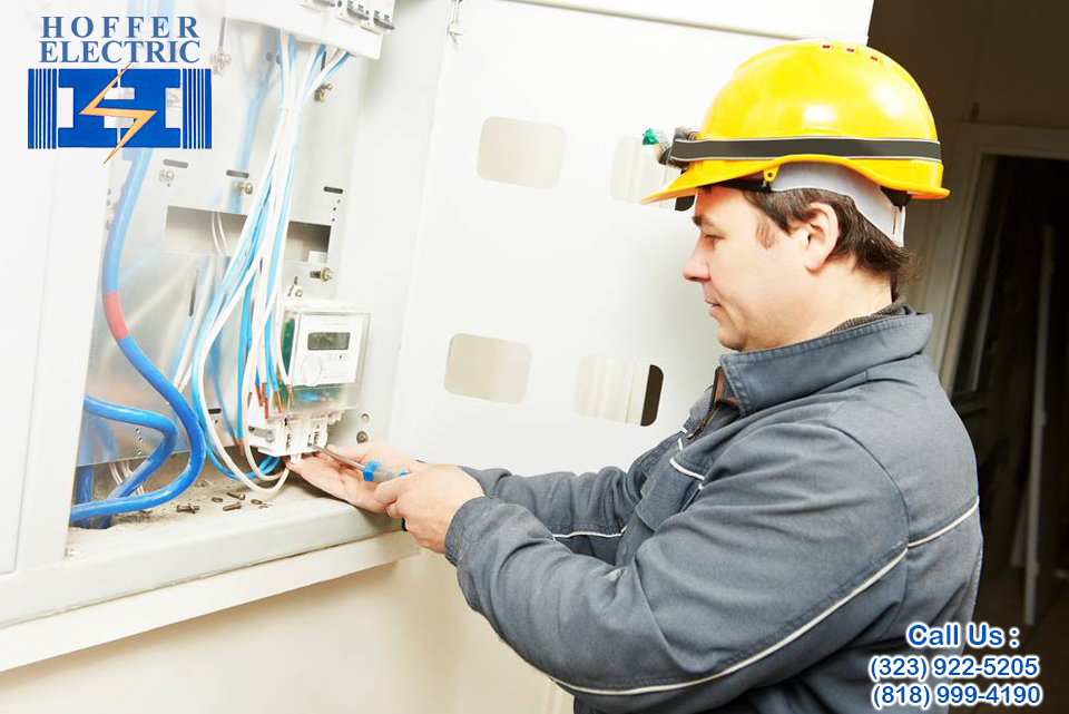 Electrician in Tarzana